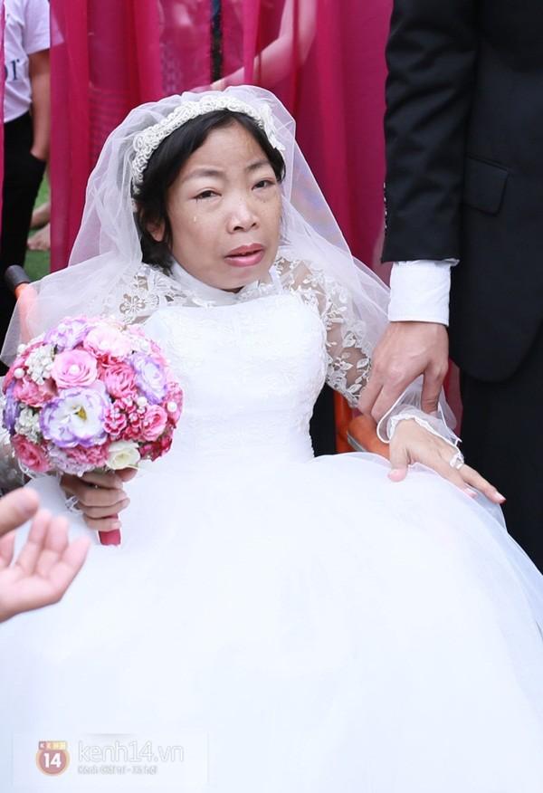Đám cưới cổ tích: Nghe tin chồng mất, người vợ liên tục phải cấp cứu 10