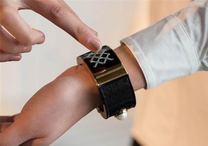Intel giới thiệu dòng đồng hồ thông minh thời trang 5