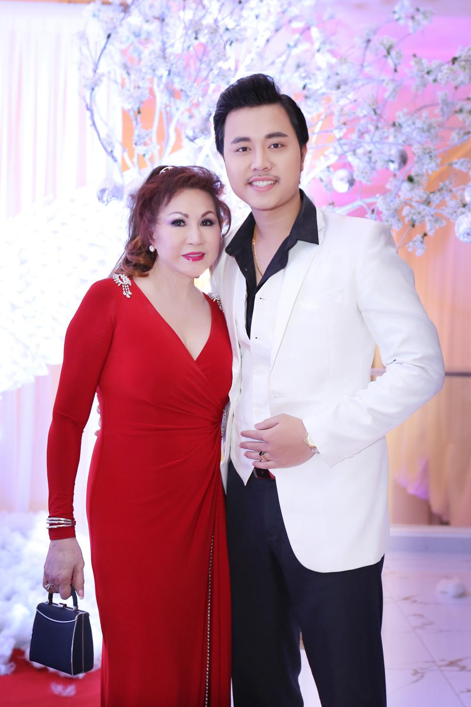 Khoảnh khắc hạnh phúc của Vũ Hoàng Việt và người tình Thúy Hoàng 6