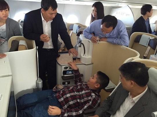 Cận cảnh máy bay của đại gia hàng không Airbus A350 XWB tại Hà Nội 9