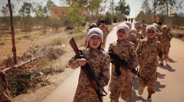 IS tung video đào tạo chiến binh nhí tại Kazakhstan 5