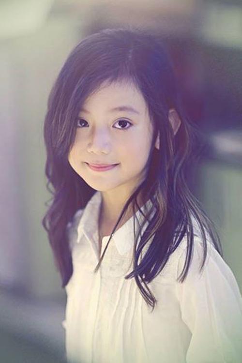 Ngắm vẻ đẹp dễ thương như thiên thần của cô bé 6 tuổi 6