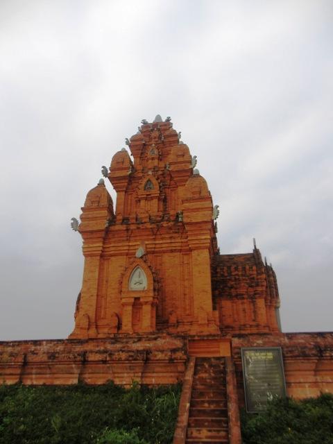 Chiêm ngưỡng kiến trúc Chăm và Khmer giữa lòng Hà Nội 16