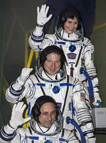 Phụ nữ Ý đầu tiên bay vào không gian 6