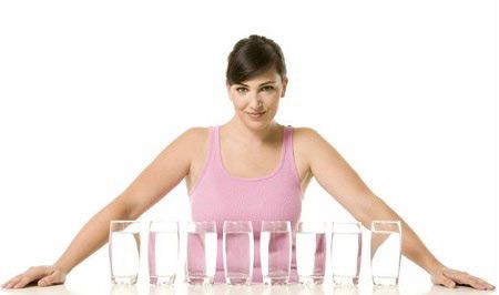 Những cách uống nước sai lầm gây hại sức khỏe cực kỳ nguy hiểm 6