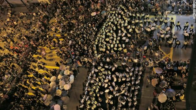 Thủ lĩnh sinh viên Hong Kong bị bắt giữ 9