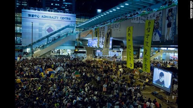 Thủ lĩnh sinh viên Hong Kong bị bắt giữ 7