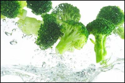 Mẹo rửa sạch mọi loại rau đúng cách và sai lầm khi rửa rau 7