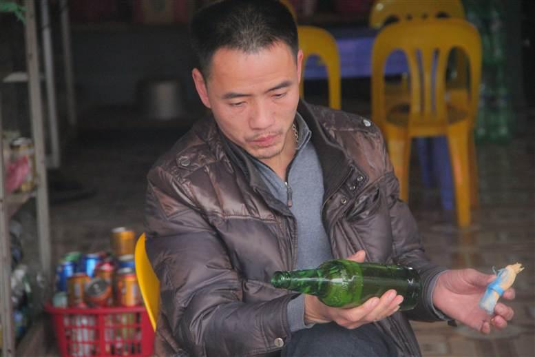 Chợ phiên Đồng Văn: Khách không mua chủ vẫn tươi cười 17