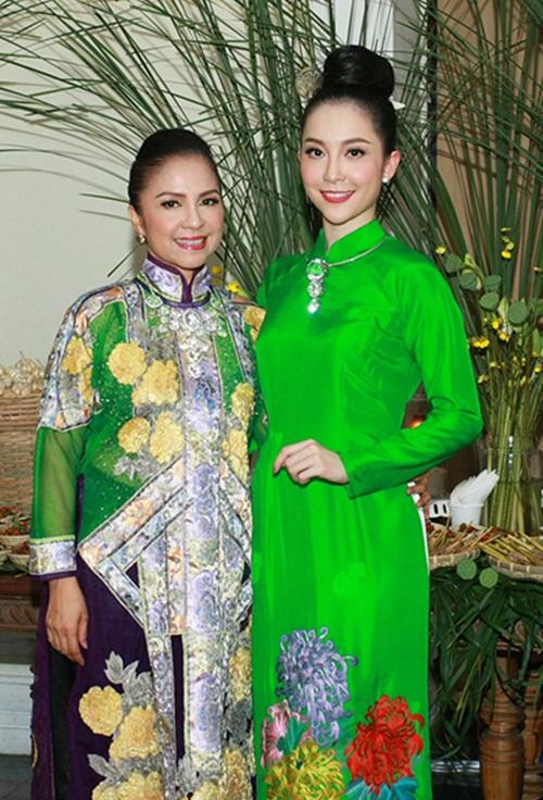 Những bà mẹ sở hữu nhan sắc xinh đẹp, quý phái của sao Việt 6
