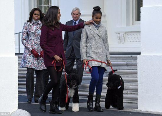 """Gia đình Tổng thống Obama cũng """"hăm hở"""" sắm Noel 2014 8"""