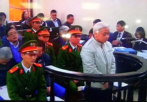 Phúc thẩm 'bầu' Kiên: 'Bầu' Kiên 'định giữ lại 9 quả phạt đền' 5