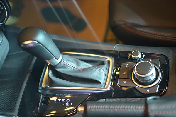 Hình ảnh Mazda 3 2015 : Cột mốc kỉ niệm 3 năm hợp tác THACO - Mazda số 8