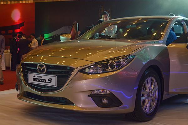 Hình ảnh Mazda 3 2015 : Cột mốc kỉ niệm 3 năm hợp tác THACO - Mazda số 4