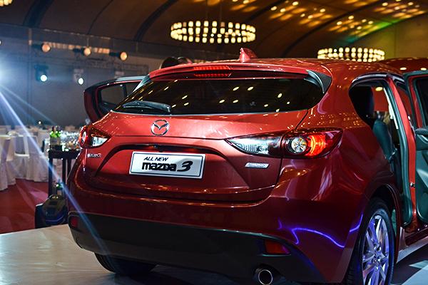 Hình ảnh Mazda 3 2015 : Cột mốc kỉ niệm 3 năm hợp tác THACO - Mazda số 5