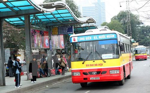 Làm sao để tránh bị quấy rối tình dục trên xe buýt? 6
