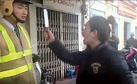 """Tướng Chung lên tiếng vụ """"múa dao trước mặt CSGT"""" 3"""