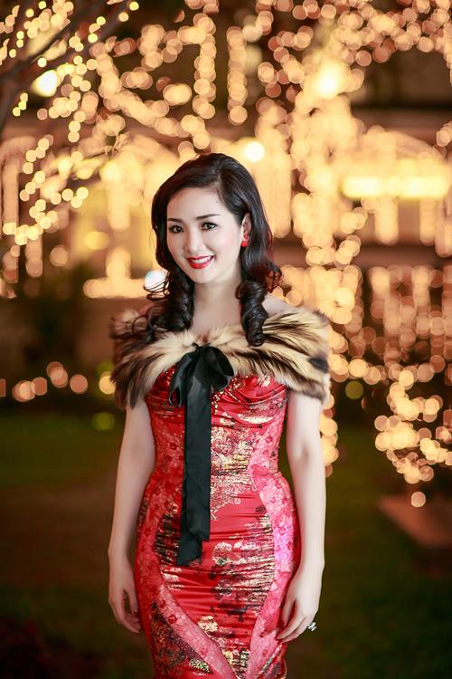 Hoa hậu Giáng My lộng lẫy trong lễ trao giải doanh nhân thành đạt 2014 7