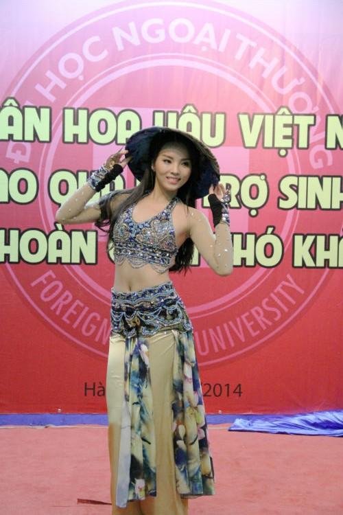 Hoa hậu Nguyễn Cao Kỳ Duyên quyến rũ với màn múa nón lá 14