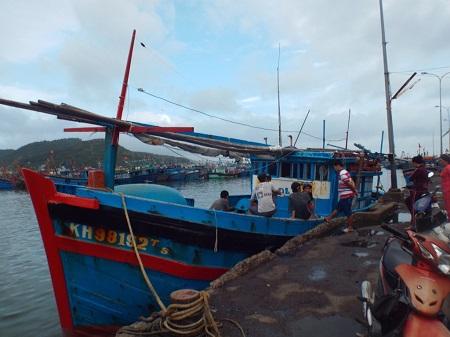 Tàu cá Khánh Hòa bị cướp dùng súng khống chế, tấn công ở Trường Sa 4