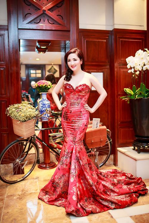 Hoa hậu Giáng My lộng lẫy trong lễ trao giải doanh nhân thành đạt 2014 11