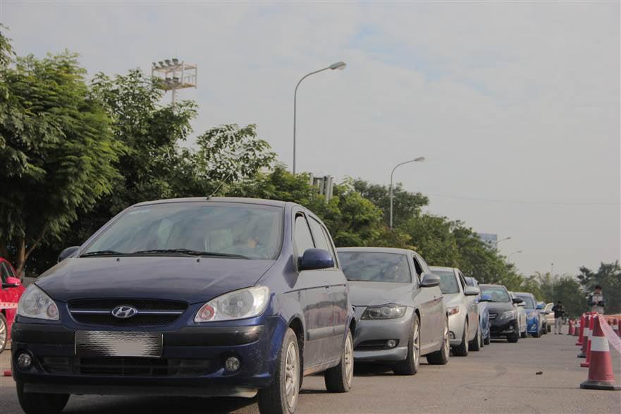Hình ảnh Hơn 350 xe ô tô được chăm sóc toàn diện tại SVĐ Mỹ Đình số 10