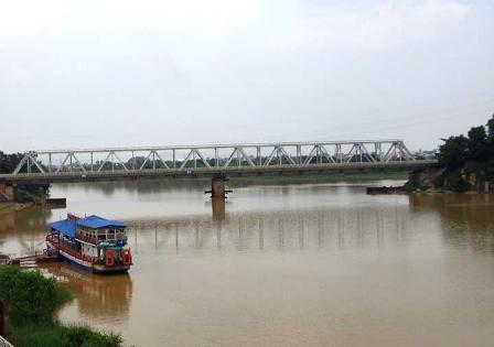 Phát hiện thi thể người đàn ông bị trôi trên sông 4