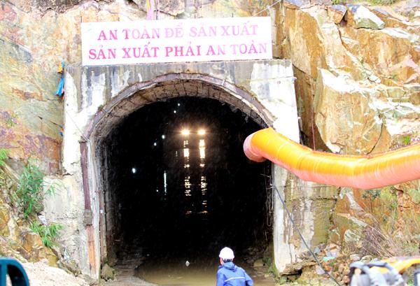 Sập hầm thủy điện Đa Dâng: Nhận được tín hiệu của 11 người mắc kẹt 4