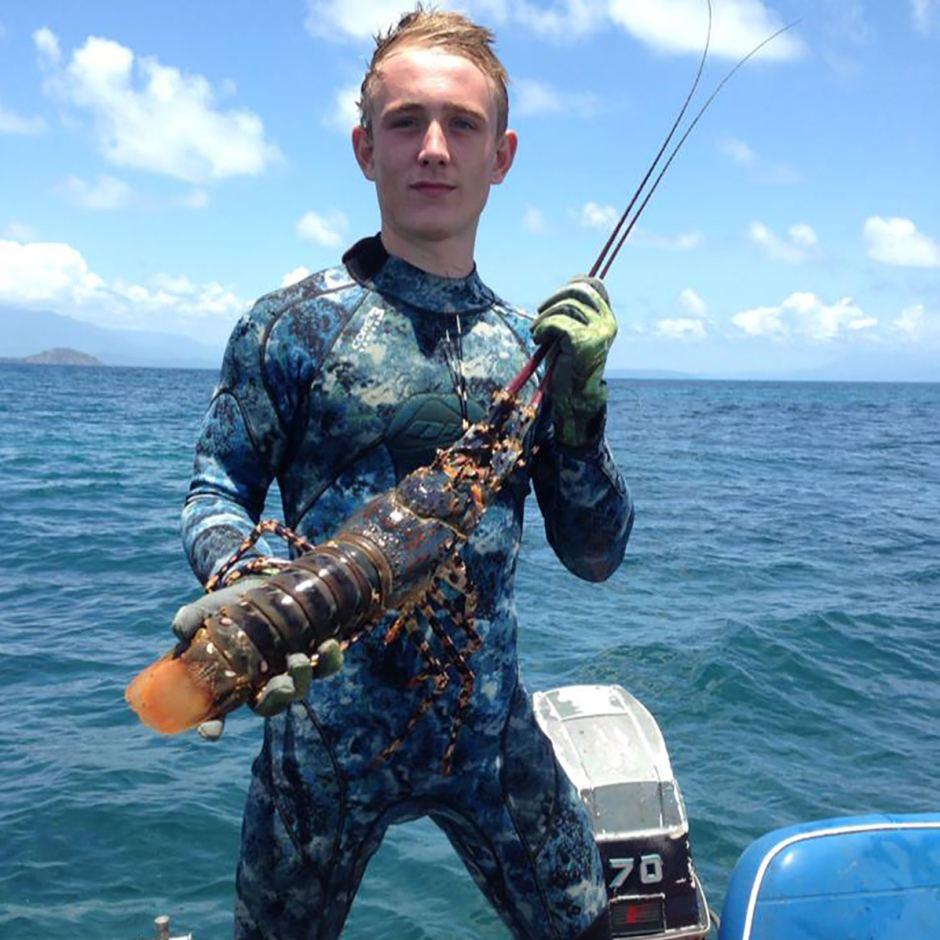 Đi câu cá, chàng trai 18 tuổi bị cá mập cắn chết 4