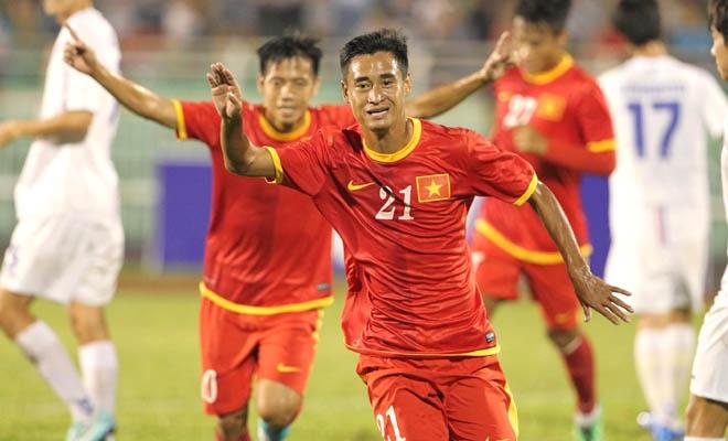 Khổ như cầu thủ Việt 7