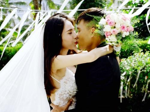 Thủy Tiên xinh đẹp trong đám cưới ngoài trời với Công Vinh 6
