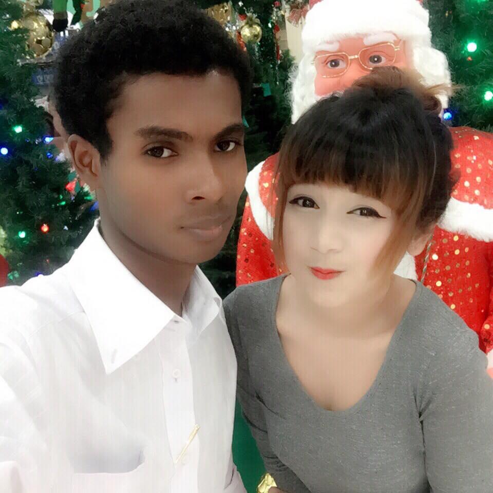 Hình ảnh Chuyện tình đũa lệch giữa chàng trai da màu và hot girl  gây sốt số 7