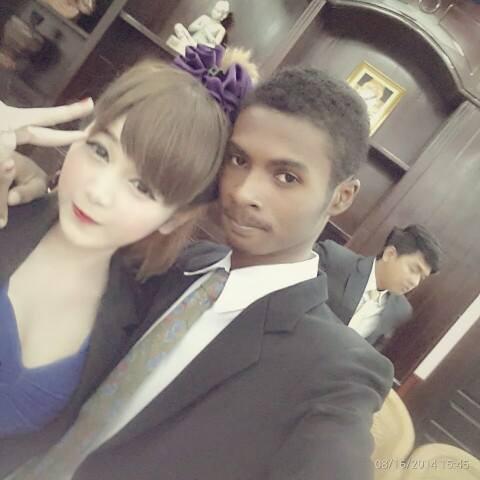 Hình ảnh Chuyện tình đũa lệch giữa chàng trai da màu và hot girl  gây sốt số 8