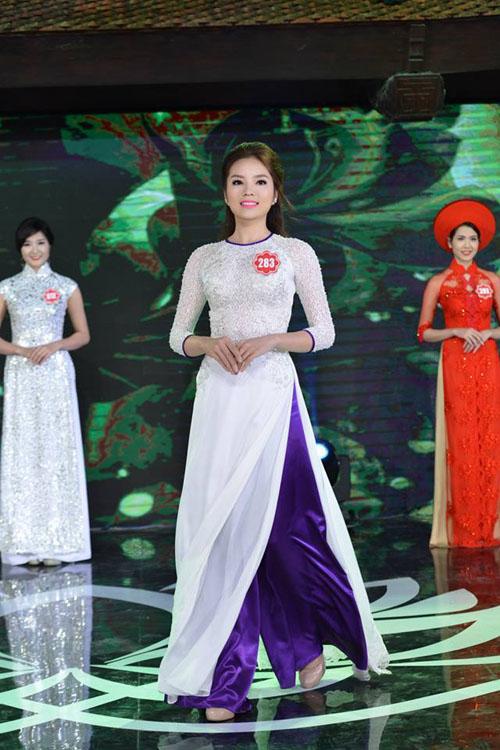 Hoa hậu Nguyễn Cao Kỳ Duyên liên tục được báo Trung Quốc khen ngợi 6