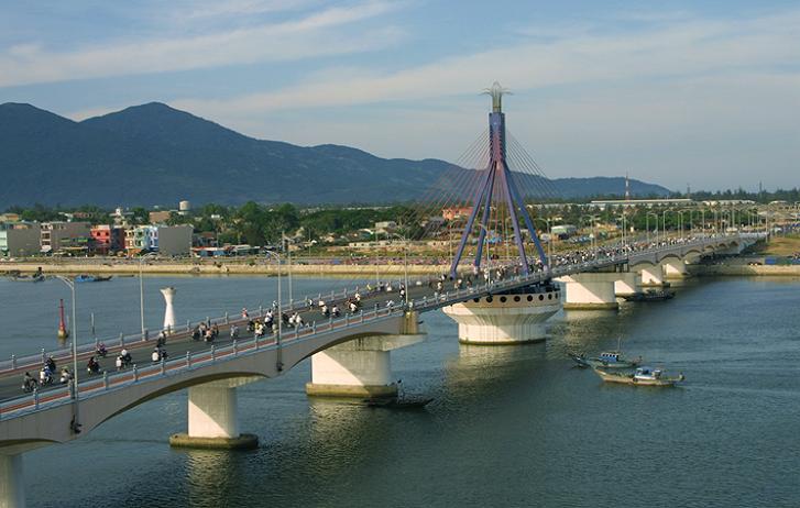 Xác nam thanh niên tự tử trước mặt người yêu nổi gần cầu sông Hàn 5