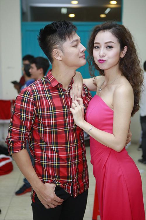 Jennifer Phạm tự tin lái siêu xe ở Sài Gòn 14