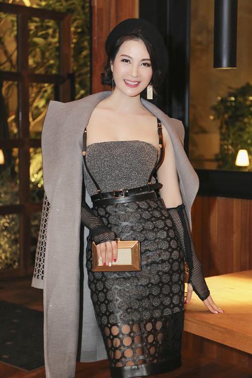 Hoa hậu Giáng My lộng lẫy đón giáng sinh sớm  10