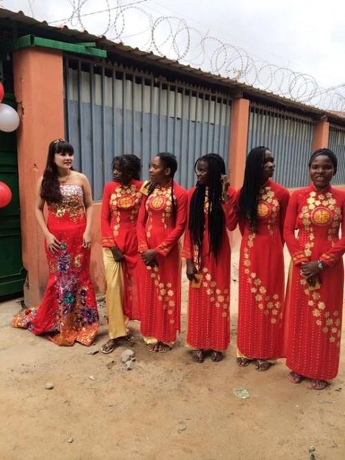 Xôn xao đội hình châu Phi bê tráp trong đám cưới Việt 6