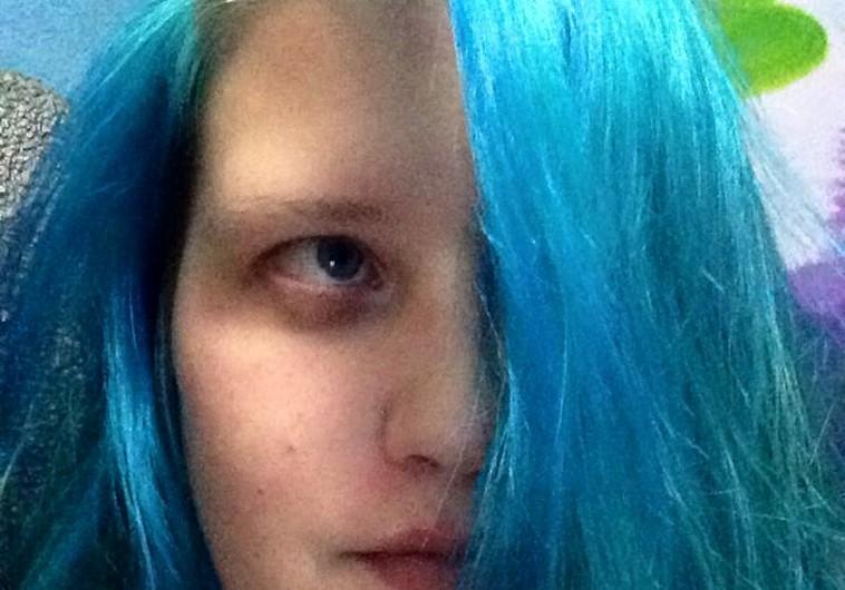 Bị đuổi khỏi xe bus vì nhuộm tóc trùng màu cờ tổ quốc 4