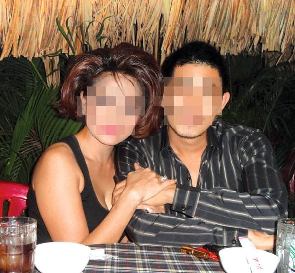 Nữ đại gia mất nhẫn 7 tỷ: Chuyện tình trai 18 say nữ 40 6