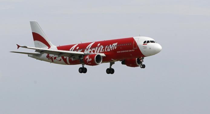Indonesia tạm ngừng tìm kiếm máy bay mất tích do thời tiết xấu 4