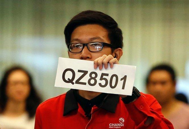 Máy bay AirAsia mất tích: Tin nhắn bí ẩn nói rằng hành khách vẫn an toàn 4