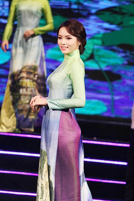 Hoa hậu Kỳ Duyên, Á hậu Huyền My đọ sắc sau khi đăng quang 7