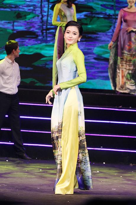 Hoa hậu Kỳ Duyên, Á hậu Huyền My đọ sắc sau khi đăng quang 8