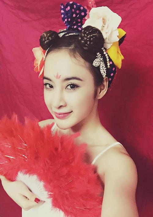 """Angela Phương Trinh hóa Tiểu Long Nữ """"tóc đùi gà"""" được fan khen hết lời 7"""