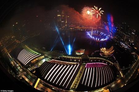Những hình ảnh chào đón năm mới 2015 ấn tượng trên thế giới 11