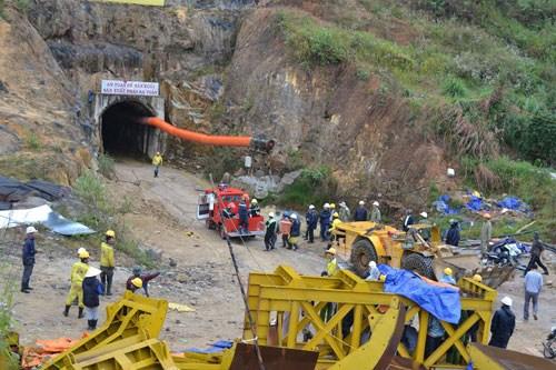 Nhìn lại những vụ sập hầm mỏ tang thương năm 2014 5