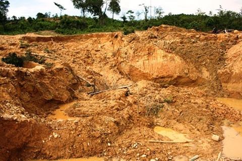 Nhìn lại những vụ sập hầm mỏ tang thương năm 2014 7