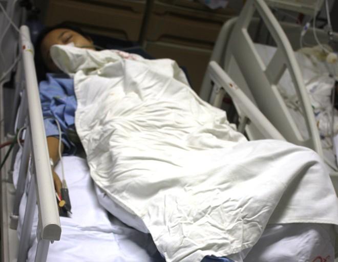 Cứu cô gái 17 tuổi vỡ bụng nghi do thuốc nổ 5