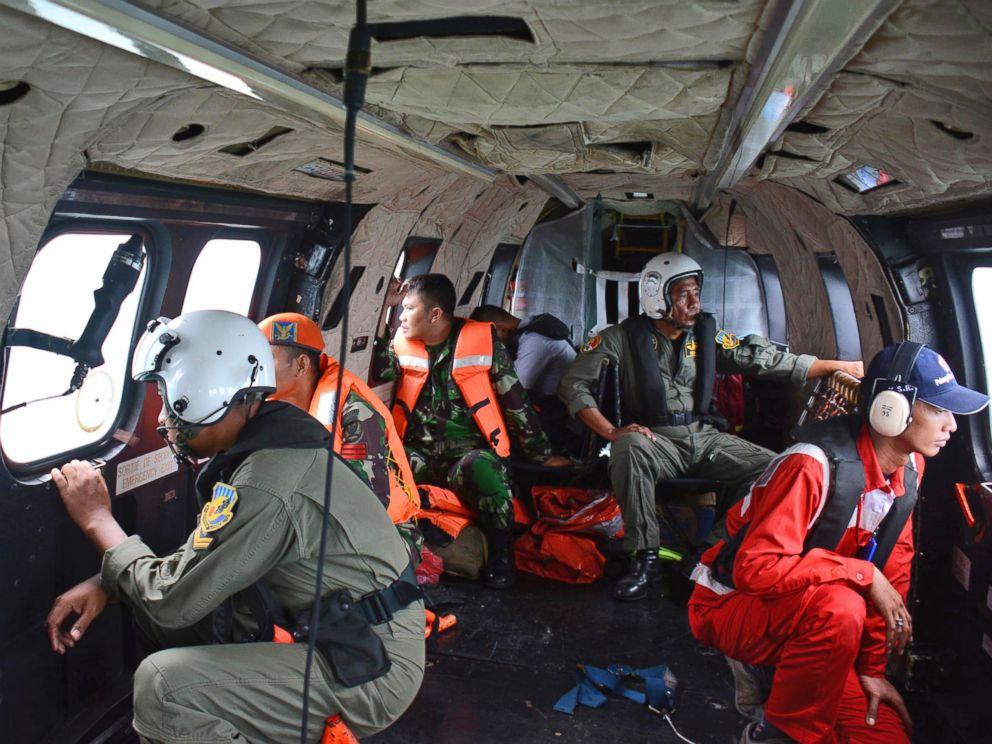 Chuyến bay QZ8501: Tìm thấy 5 thi thể còn ngồi ghế, thắt dây an toàn 6